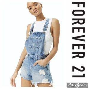 Forever 21 distressed shortall size 1x